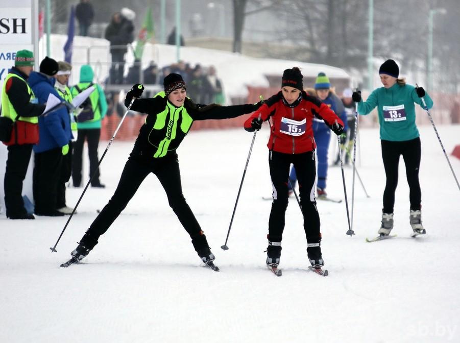 Команда Президента Беларуссии одолела вэстафете на«Минской лыжне» | Столичное телевидение