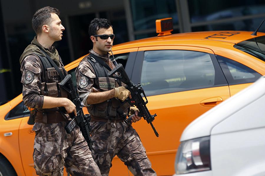 Практически  40 планировавших теракты боевиковИГ задержали вТурции