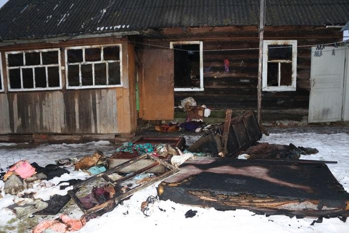 ВКормянском районе пенсионер избил свою супругу молотком иподжег дом