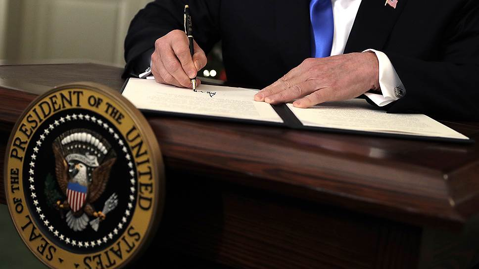 США начнут вводить санкции заоборонные сделки сРоссией