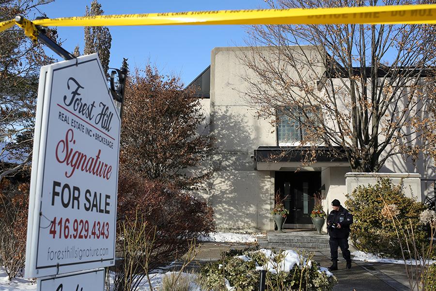 Канадский миллиардер иего супруга найдены мертвыми вдоме вТоронто