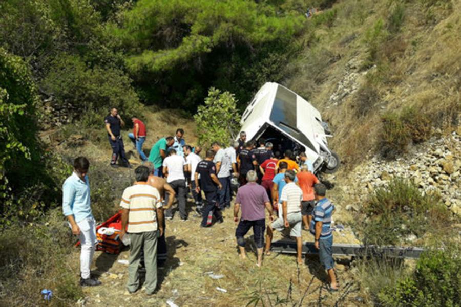 ДТП вТурции: туристический автобус перевернулся вАнталье