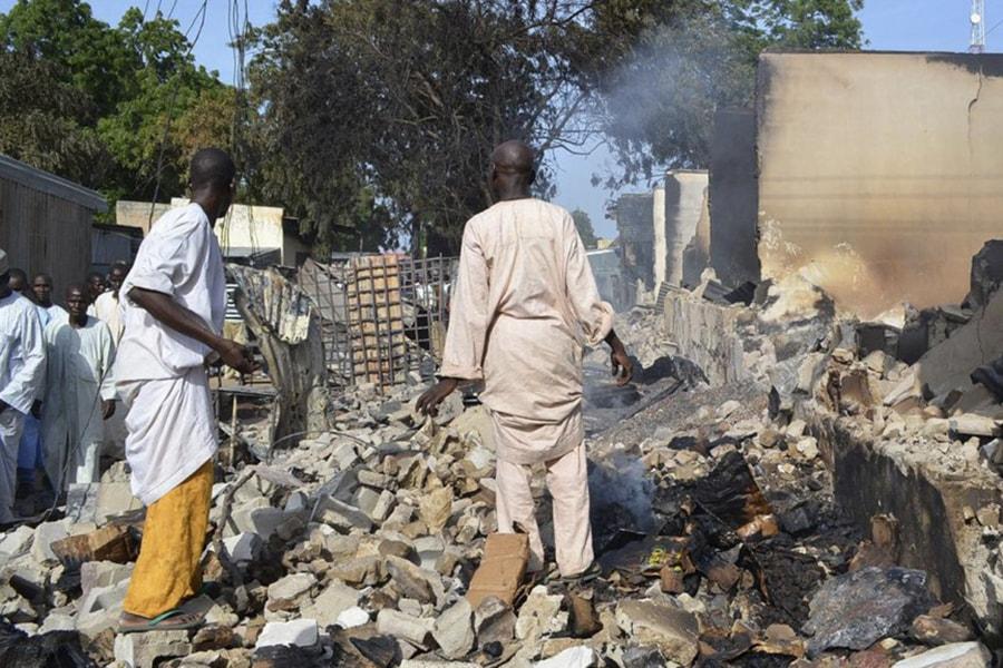 В Нигерии по ошибке нанесли авиаудар по лагерю беженцев