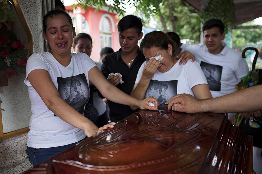 ВМексике случилось мощное землетрясение: число погибших растет