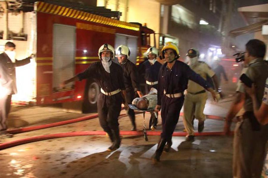Жертвами пожара вразвлекательном центре вМумбаи стали 14 человек