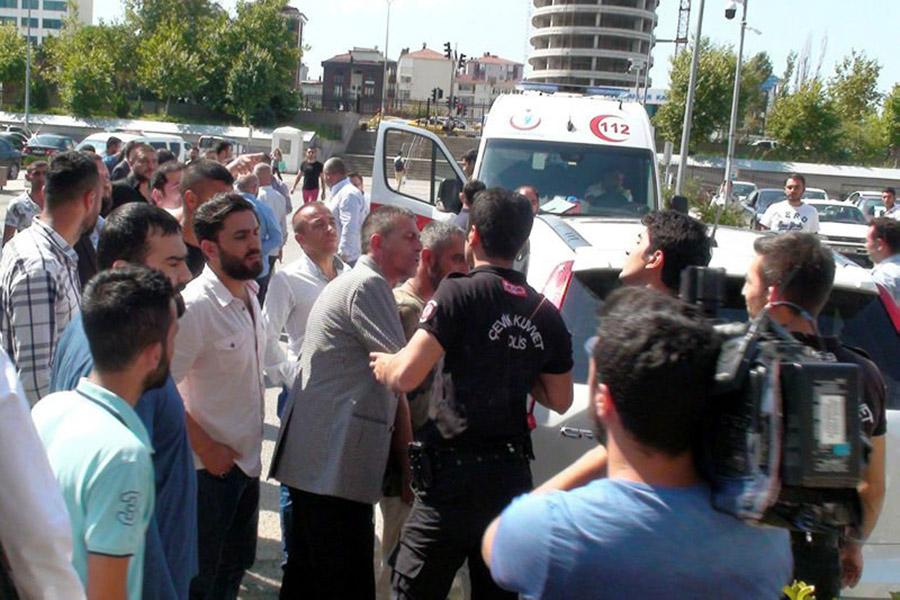ВСтамбуле в итоге стрельбы пострадали два человека
