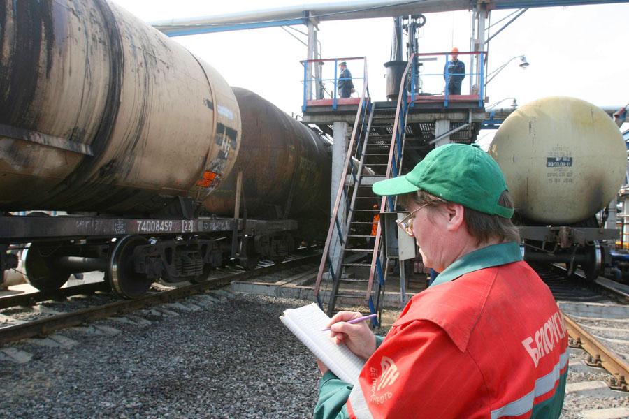 Средняя заянварь цена нанефть Urals увеличилась на29%