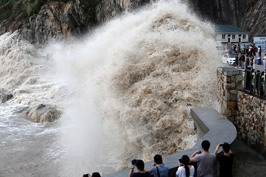 Мощнейший тайфун «Талим» приближается кПриморью
