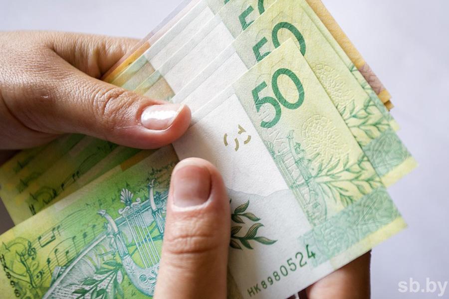 Доллар покатился впропасть— руб. обманул всех