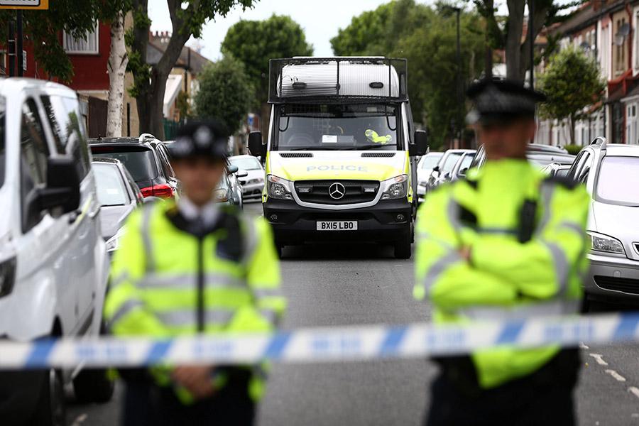 Три девушки встолице Англии ранили ножом сотрудницу детского сада