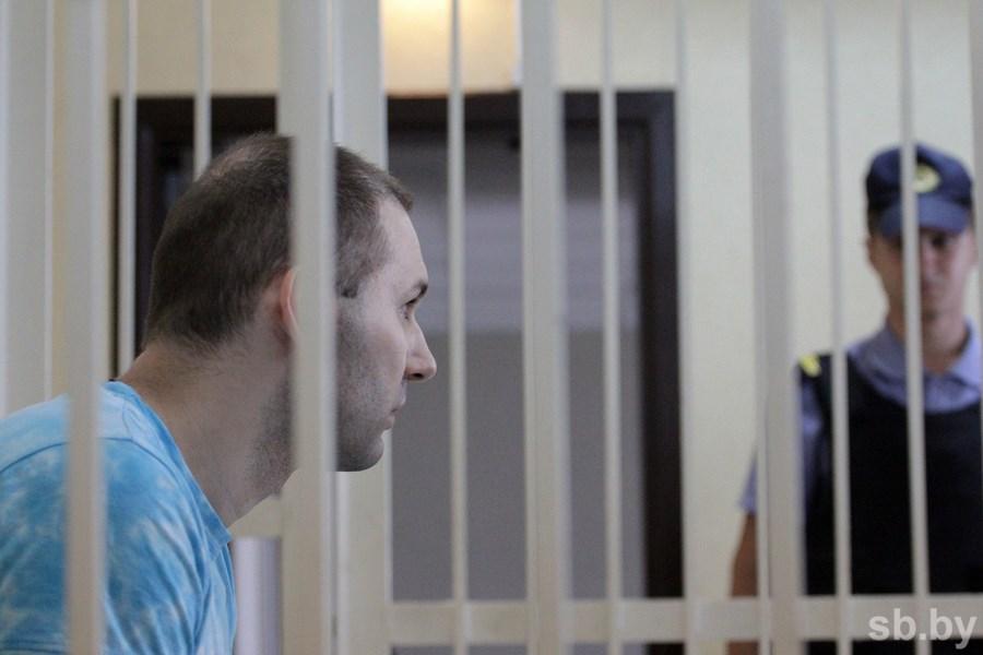 Обвинитель попросил для минчанина, которого ранил милиционер, 3 года