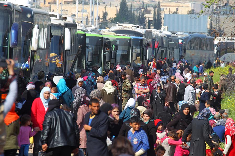 Жертвами взрыва уавтобуса сбеженцами вСирии стали неменее 60 детей