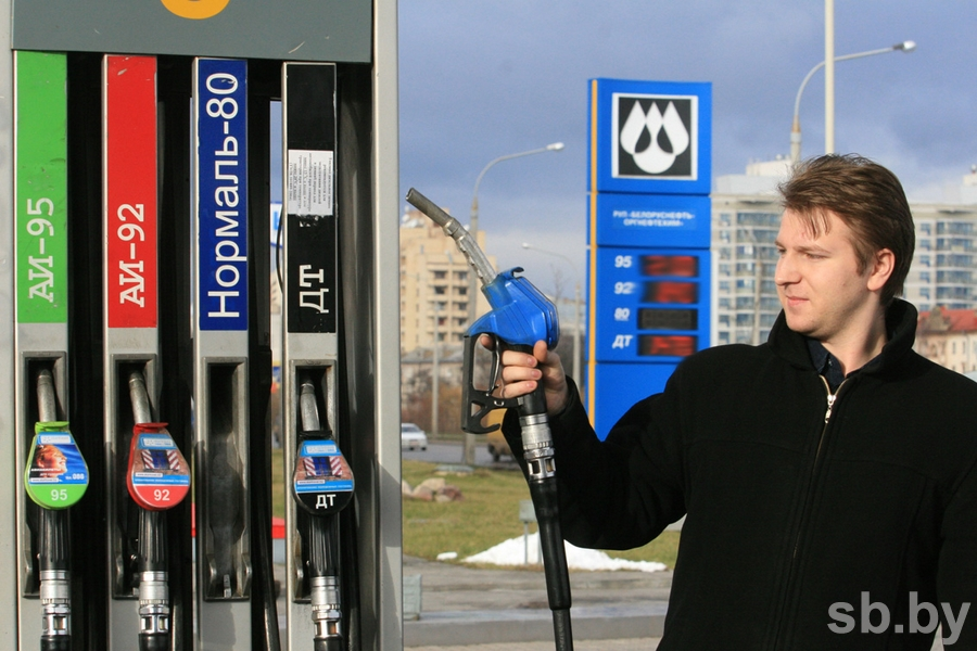 Беларусь хочет довести цены наавтомобильное горючее до русских