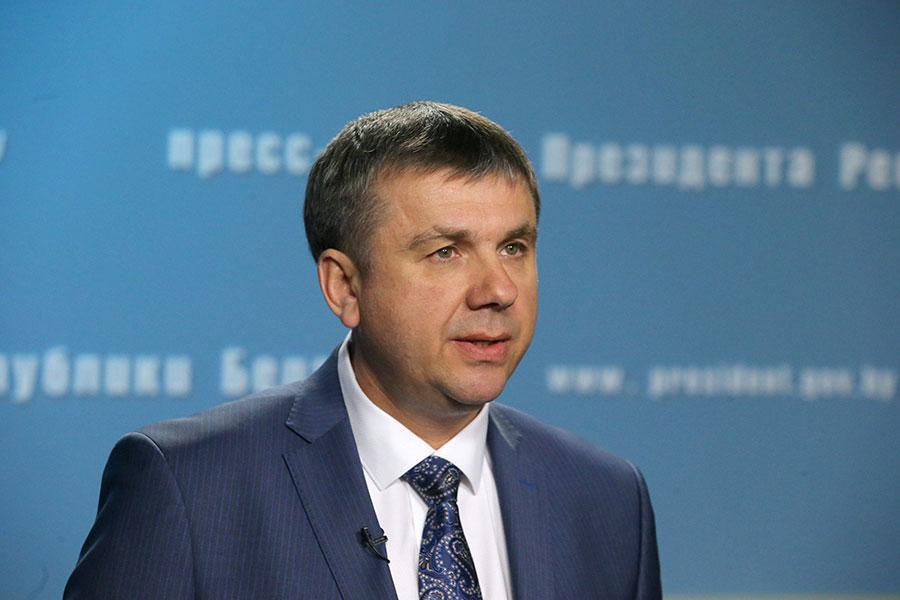 Лукашенко назначил управляющих здешней вертикали власти— Кадровая пятница