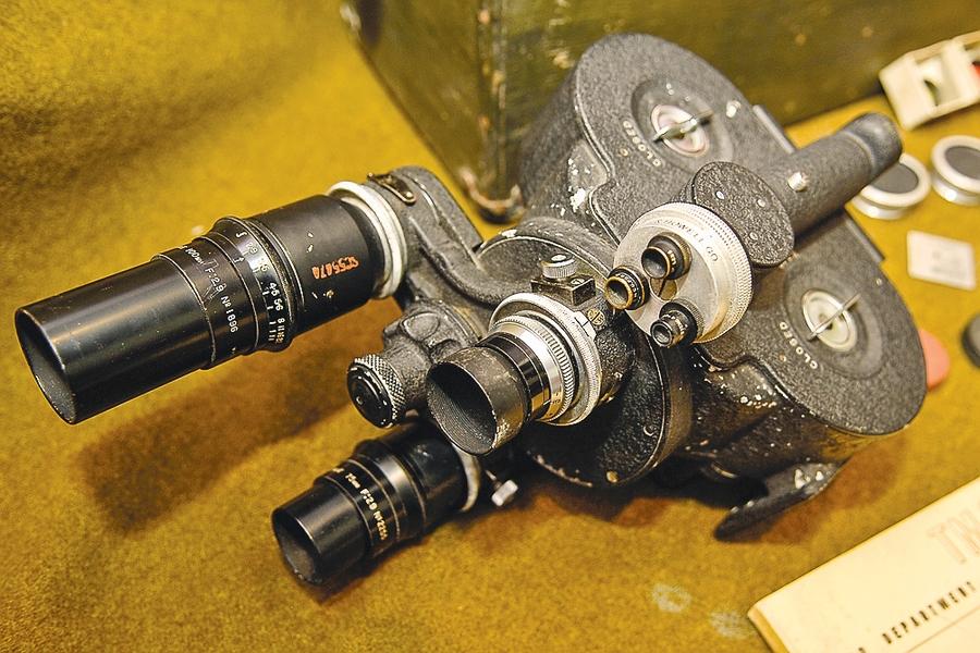Главное оружие крылатых киносъемщиков — американская кинокамера «Аймо». Источник фото: www.sb.by.