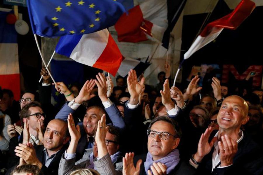 Макрон одержал победу голосование назаморских территориях Франции