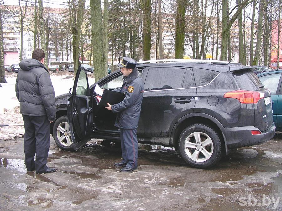 В Витебск массово пригоняют дорогие иномарки с перебитыми номерами, фото-2