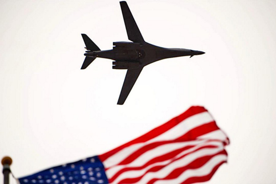 Русский Су-27 перехватил над Балтикой американский самолет-разведчик
