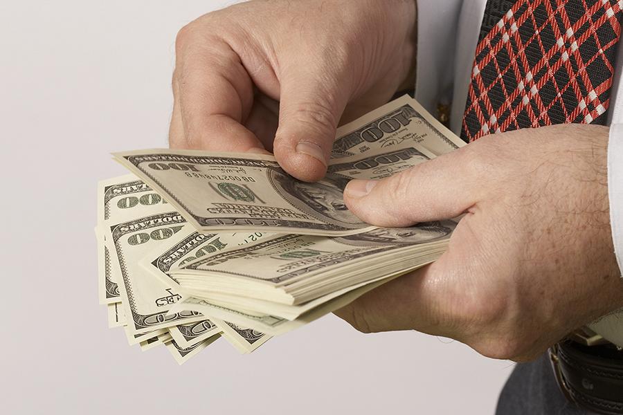 ВБобруйске два директора продали 100 тысяч липовых валютных облигаций