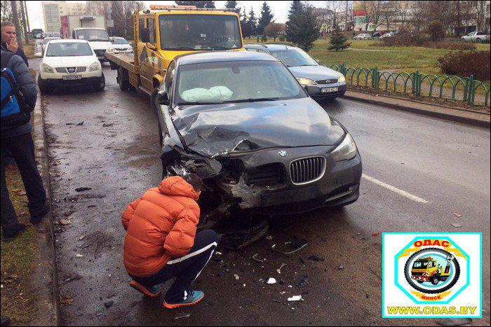 ВМинске «БМВ» протаранил 5 авто