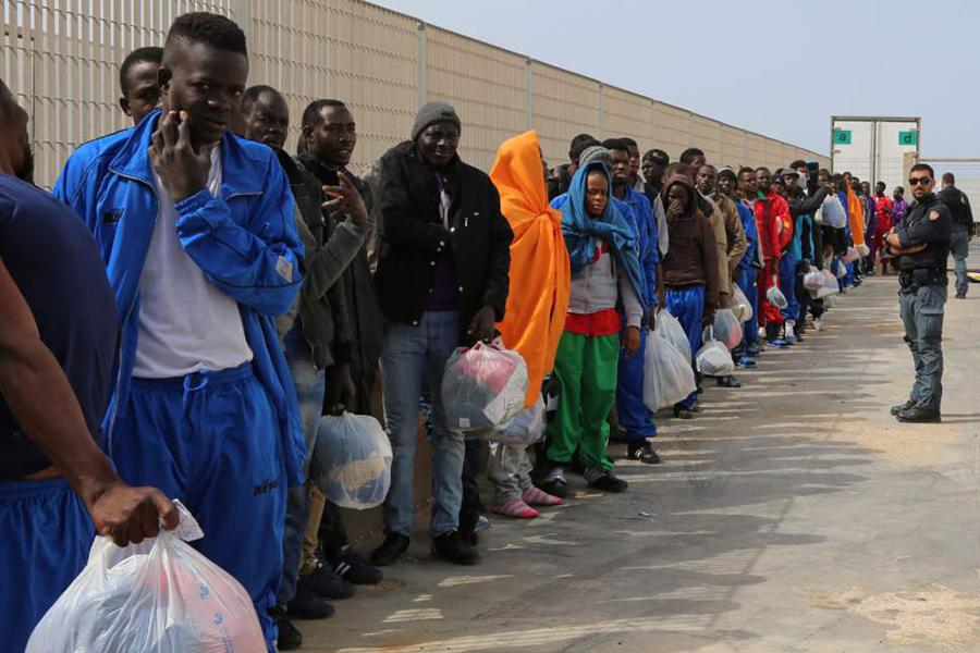 Кабмин ФРГ разработал план поускорению депортации лиц, неполучивших статус беженца