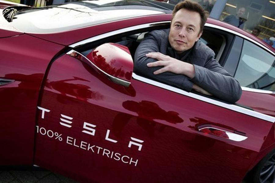 Tesla Model S100D проехал свыше тысячи километров без подзарядки