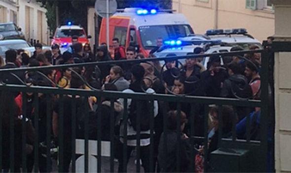 ВКаннах произошел взрыв: Неизвестные подорвали школу Бристол High School