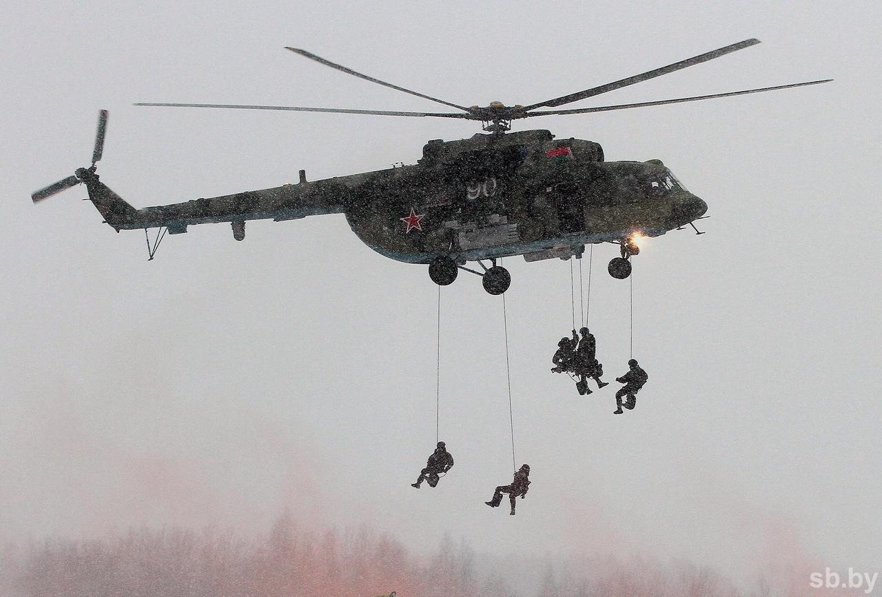 Беларусь получила первую партию вертолетов Ми-8