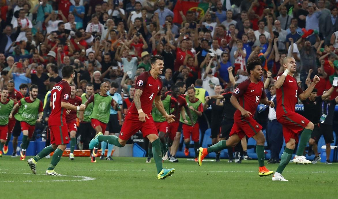 1-ый полуфиналист футбольного Евро-2016 определится вМарселе