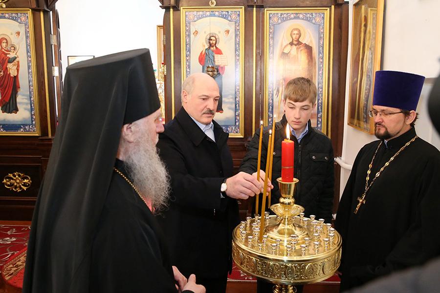 Лукашенко поздравил христиан Республики Беларусь сПасхой