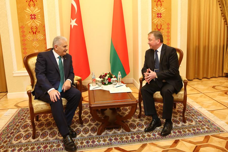 Лукашенко: Белорусско-турецкие отношения переживают период ренессанса