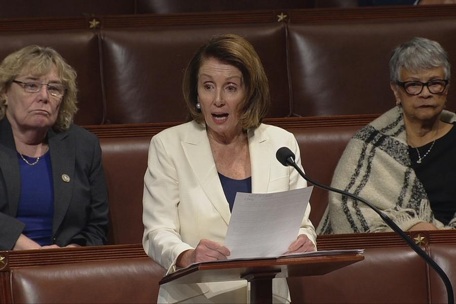 Лидер демократов в съезде установила рекорд по продолжительности выступления