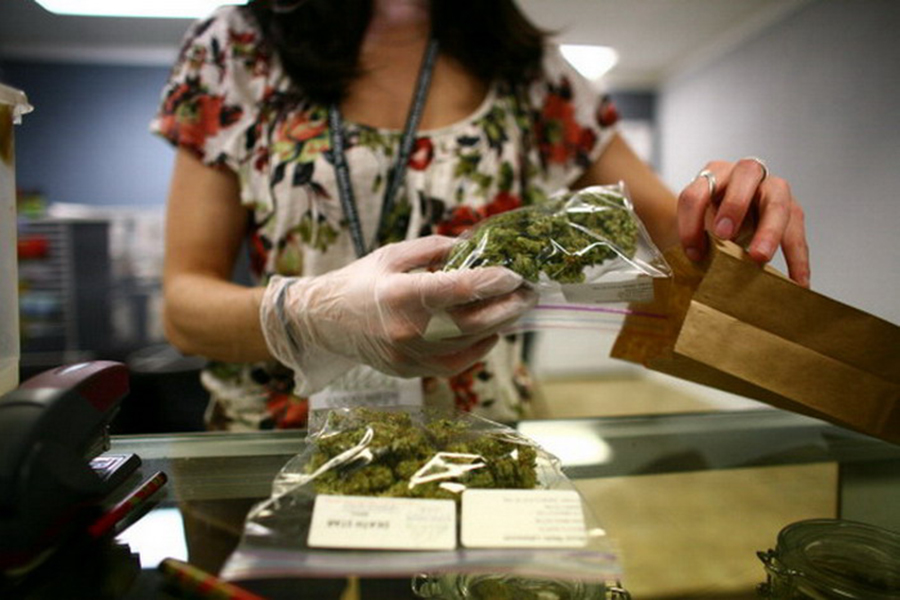 the advantages of medical marijuana Medical marijuana use has been legal in montana since 2004, when voters there approved an initiative allowing doctors to recommend it to their patients however, the federal government still classifies the plant as a schedule one drug that makes it illegal for doctors to prescribe it, and it means state law.
