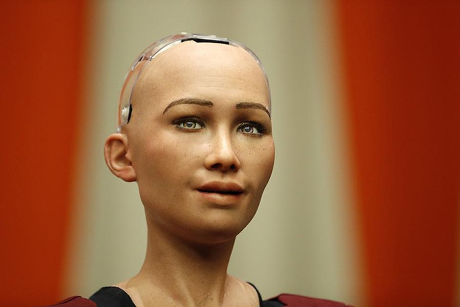 Робот Sophia стала первым вмире механизмом, получившим гражданство