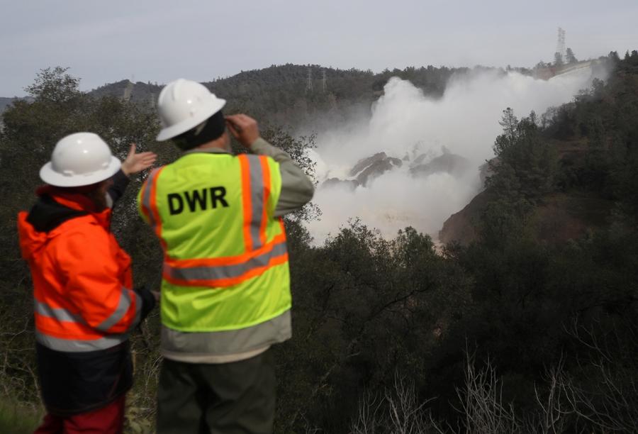 Трамп предоставил федеральную помощь Калифорнии всвязи сразрушением плотины