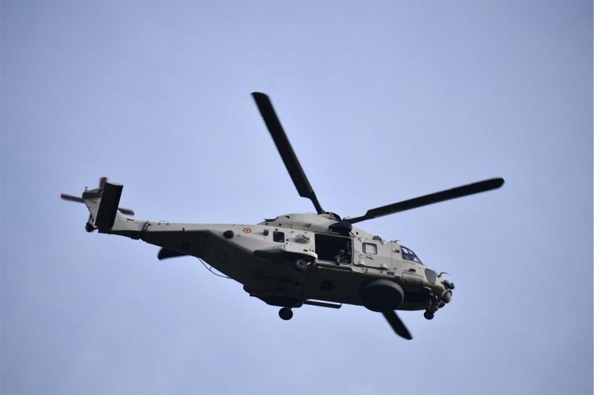 Пилот выпал извоенного вертолета вБельгии