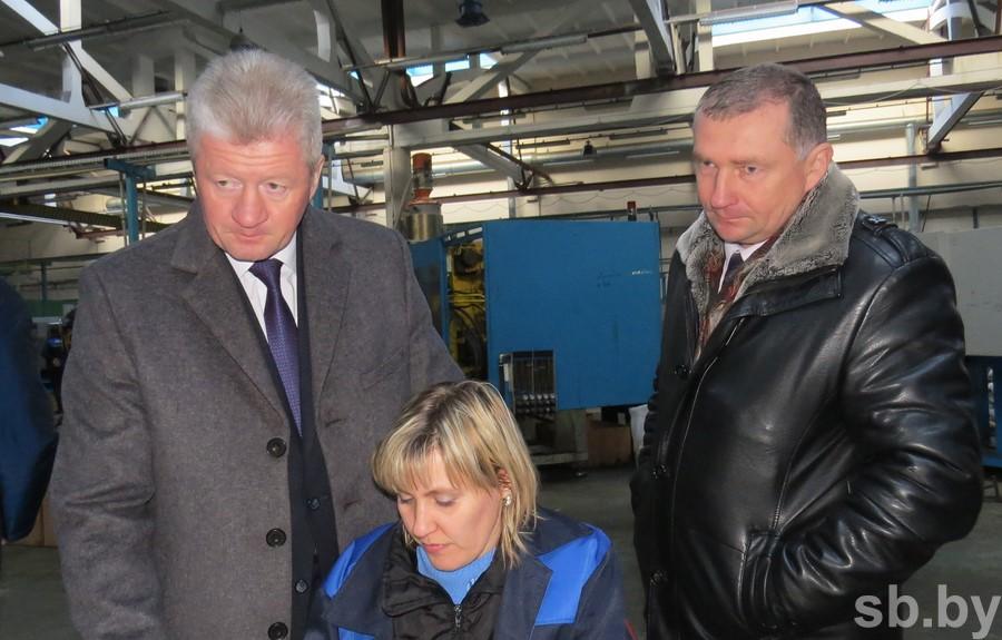 Маркевич взял на контроль ситуацию на электромеханическом заводе в Давид-Городке