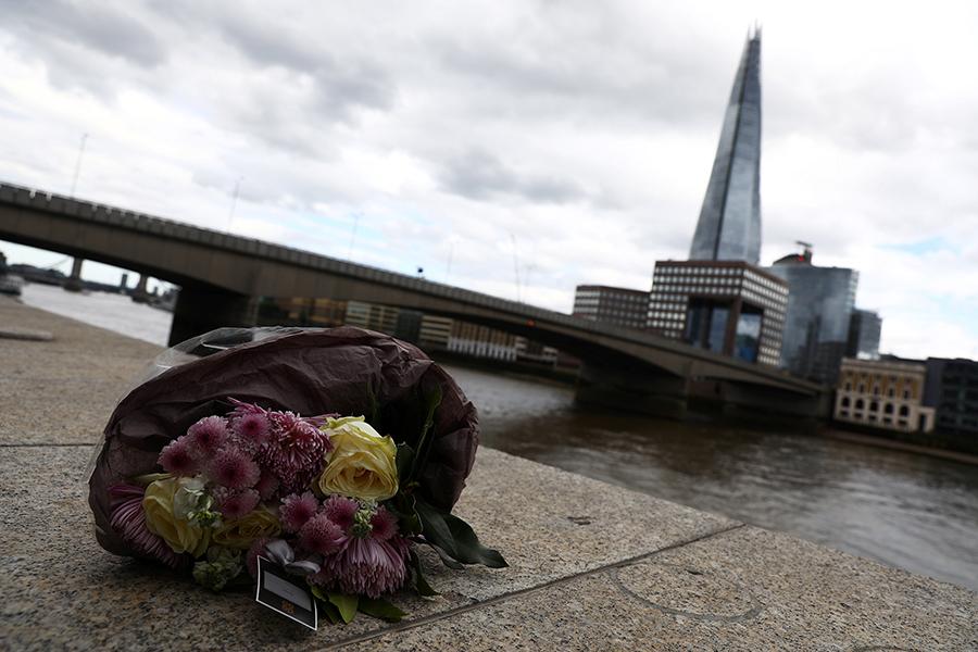 Милиция встолице Англии сделала потеррористам около 50 выстрелов, случайно ранив прохожего