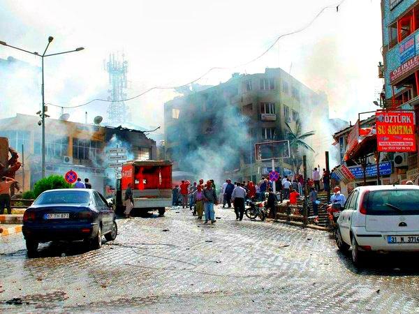При взрыве вДжизре погибли 8 полицейских