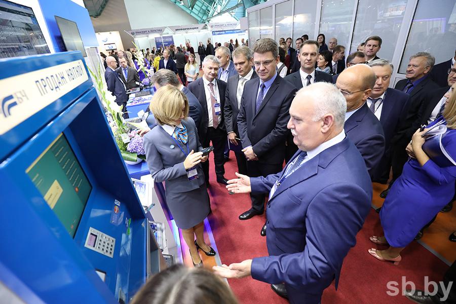 Ставка на инновации, цифровизация перевозок и перспективы дорожного строительства: какие еще темы обсуждались на открывшейся Белорусской транспортной неделе
