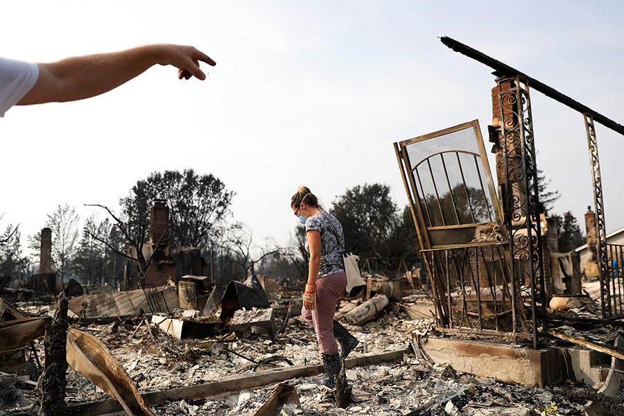 17 погибших, неменее  сотни человек отправлены вмедучереждение  — Пожары вКалифорнии