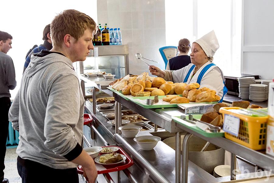 Поесть на стипендию. Но не проесть её. В какой студенческой столовой самые дешевые обеды?