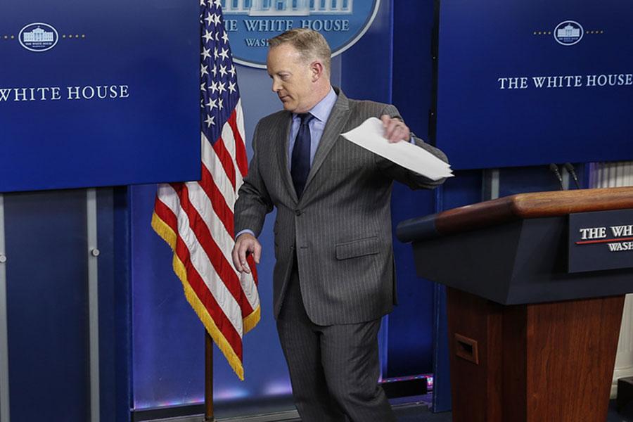 Секретарь Белого дома Шон Спайсер уволился
