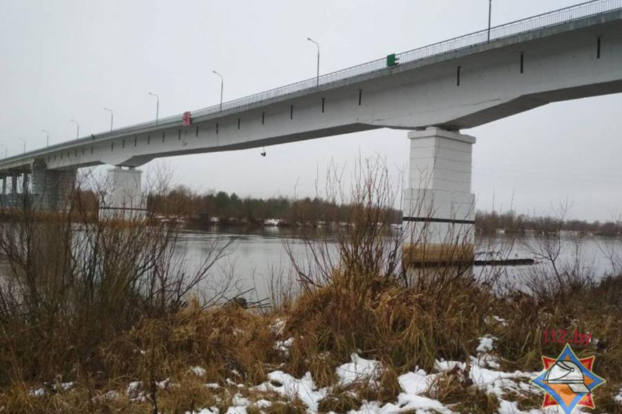 МЧС: по треснувшему мосту в Житковичах разрешено движение, но с ограничениями