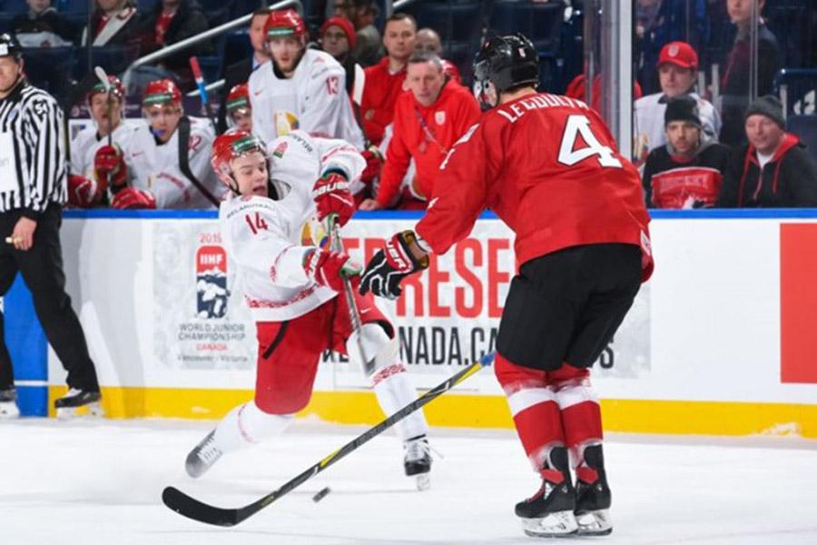 Швейцарцы обыграли белорусов— Молодежный чемпионат мира