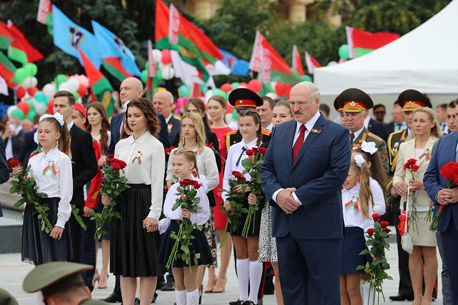 Лукашенко принял участие в патриотическом шествии «Беларусь помнит»