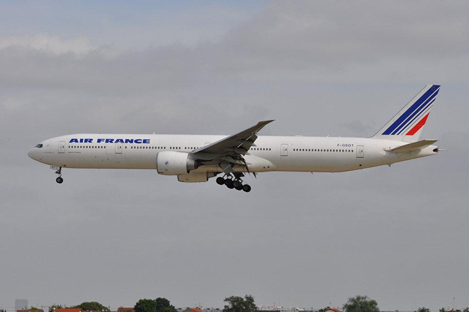 ВоФранции из-за забастовки отменят 300 рейсов