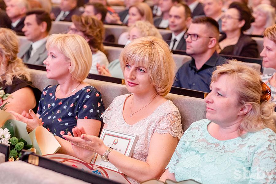 В Гродно 80 медицинских работников получили награды