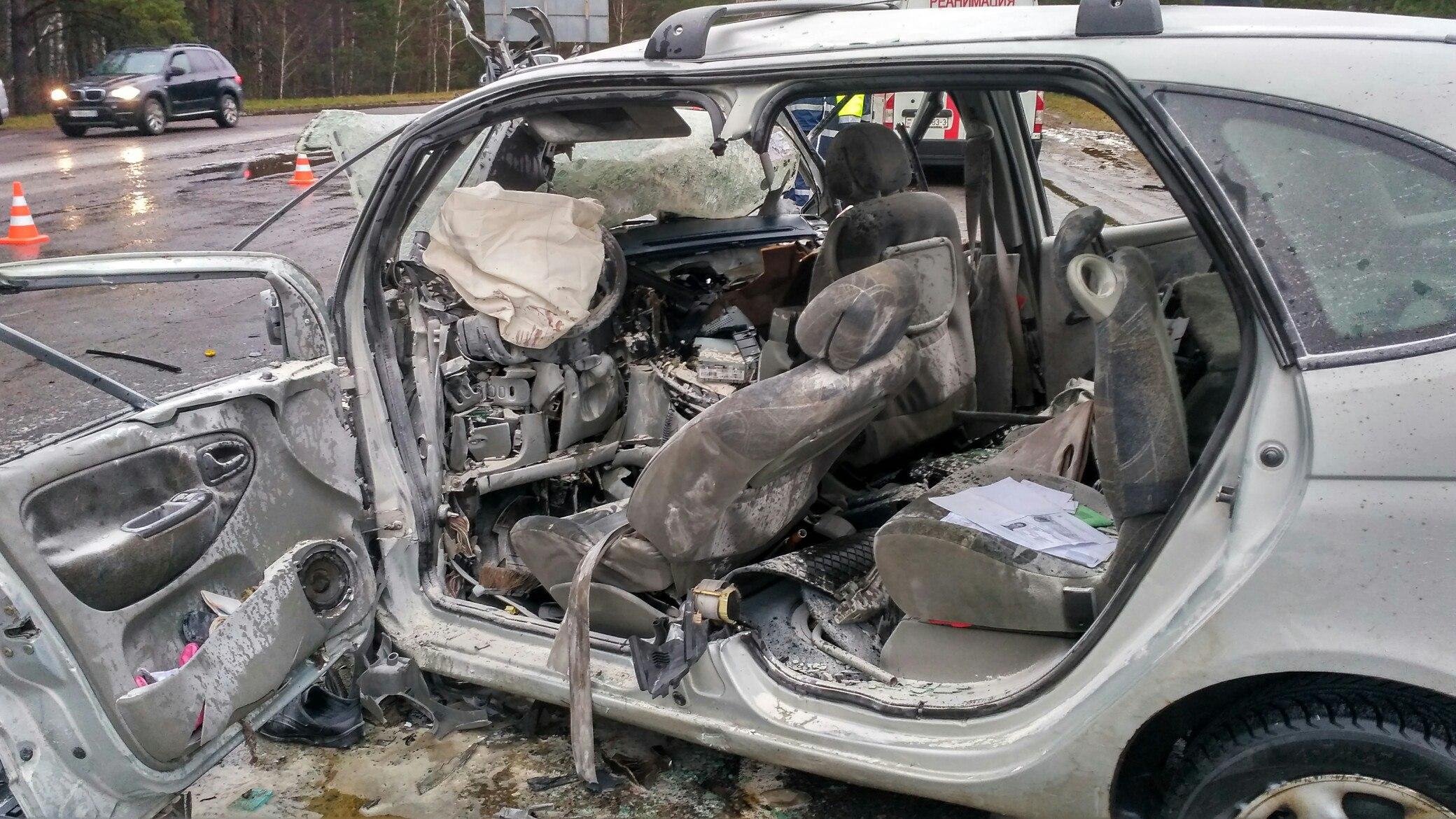 Жуткое ДТП под Мозырем: лоб влоб столкнулись два автомобиля