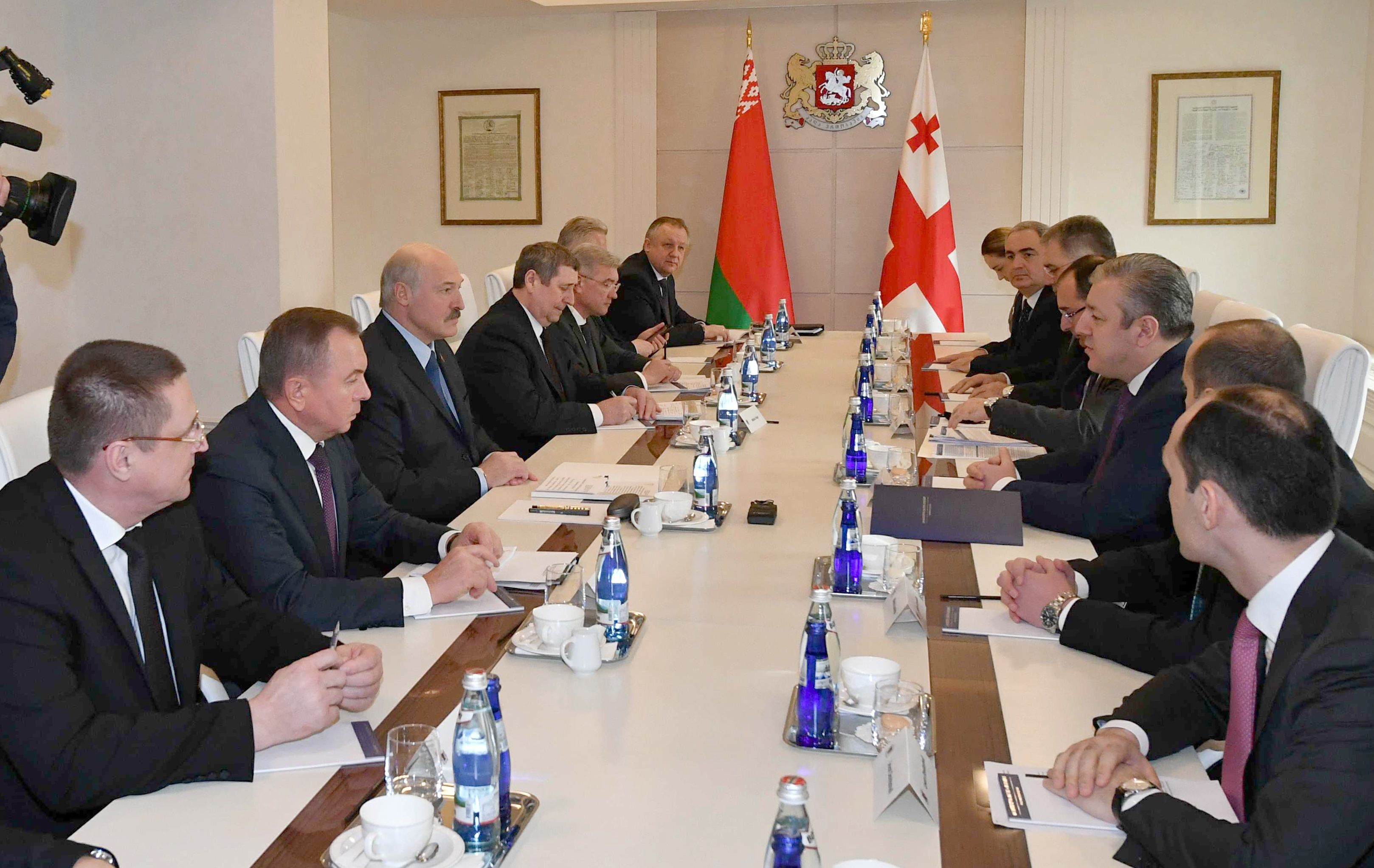 Лукашенко преподнес грузинскому президенту удивительный дорогостоящий подарок